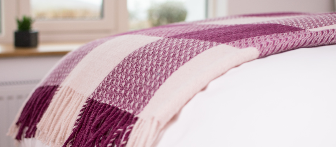 skye-weavers-glendale-wool-throws-wild-rose-skye-wool