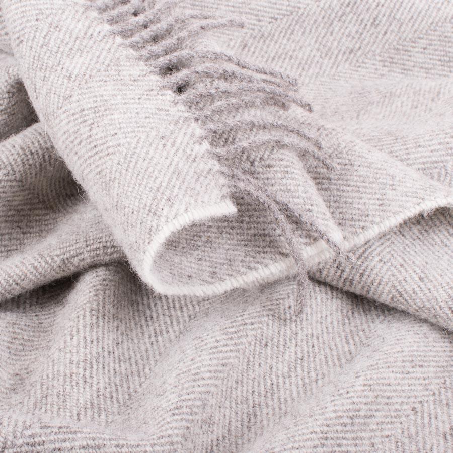 Skye wool throw natural herringbone