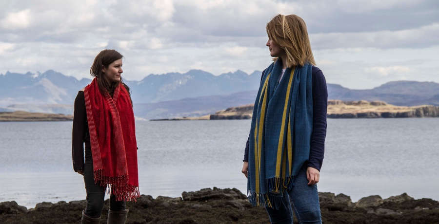 skye-weavers-red-and-blue-periwinkle-shawl-with-cuillin-backdrop