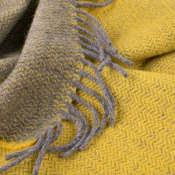 scarf grey and sunflower