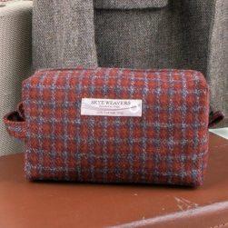 wash bag tweed rust